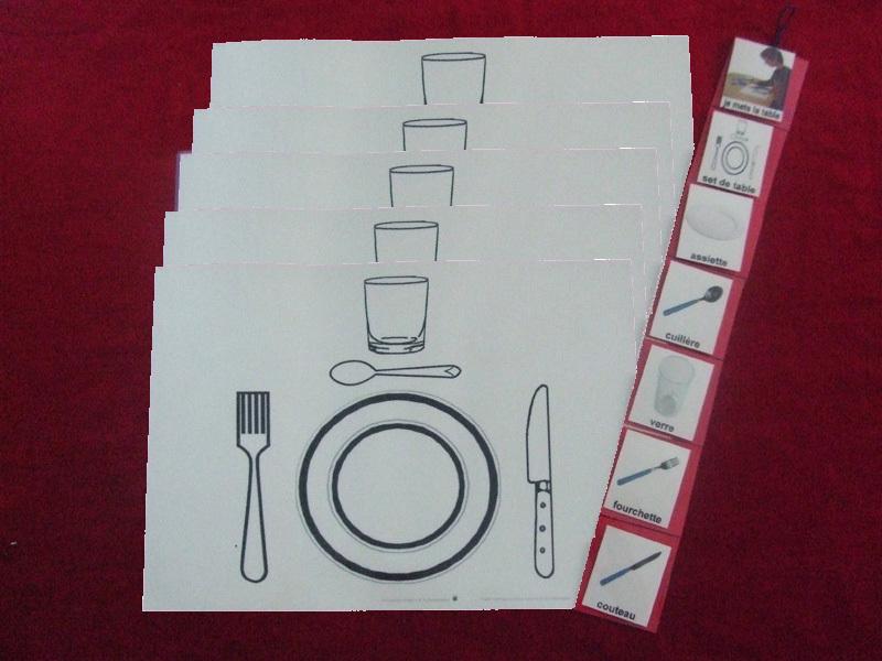 Je mets le couvert avec 5 sets de table 226122 autisme - Couvert sur la table ...